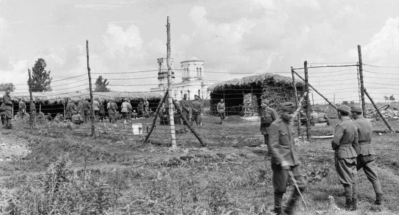 «И тут русские пленные разом выскочили из барака!» — случай на Пасху в оккупированном городе