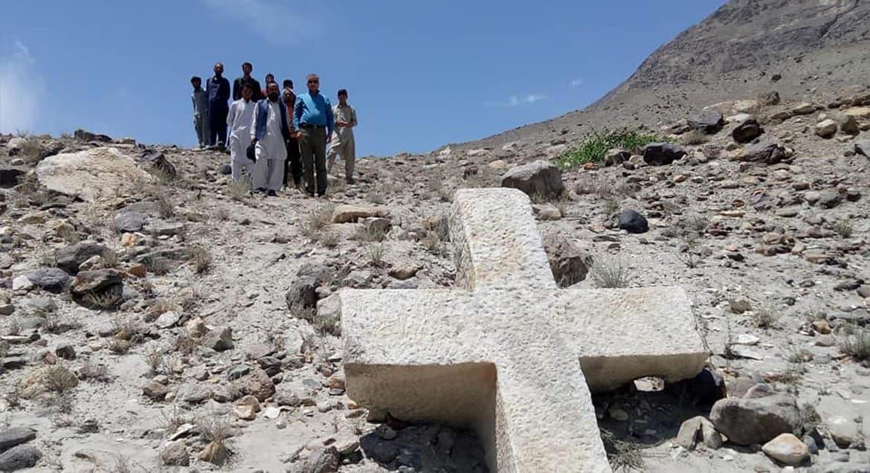 Древний мраморный крест нашли на севере Пакистана