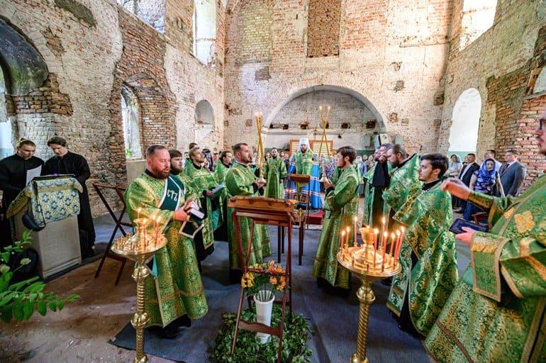 Спустя более века после закрытия в вологодском соборе прошла архиерейская служба