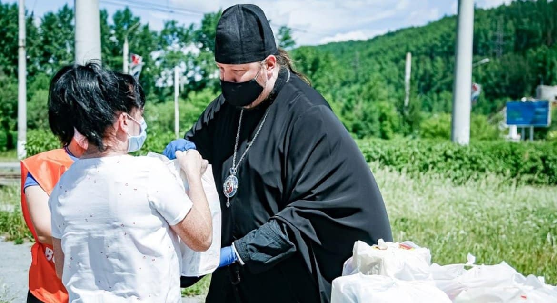 Златоустовская епархия помогла одиноким мамам двумя тоннами продуктов