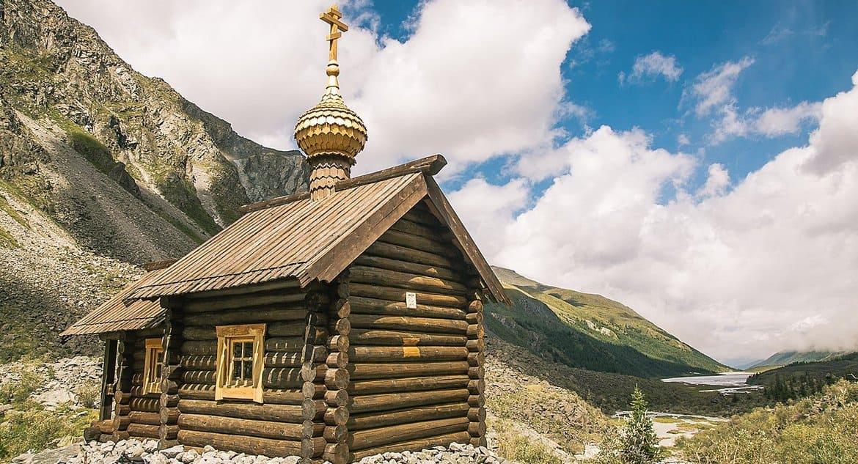На Алтае сгорела самая высокогорная часовня в России