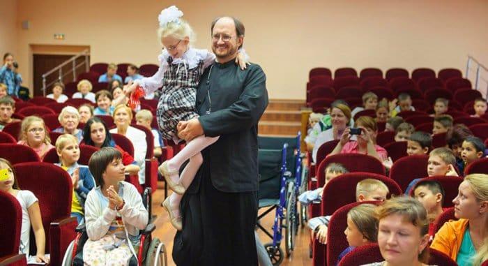 В Церкви приветствовали назначение священника главой Фонда поддержки детей с тяжелыми заболеваниями