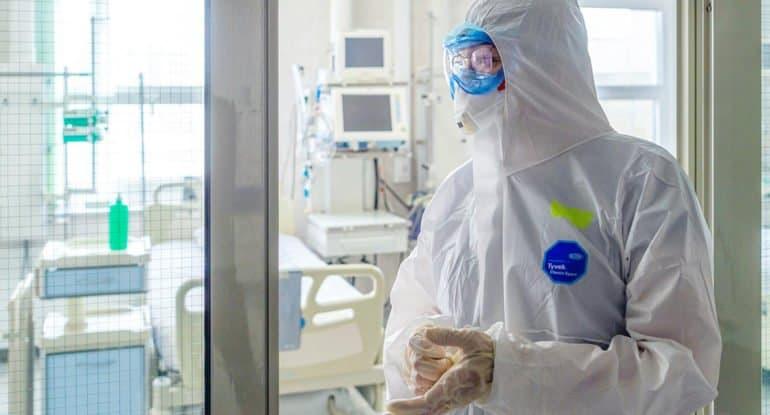 Коронавирусом в России болеет меньше 360 тысяч человек