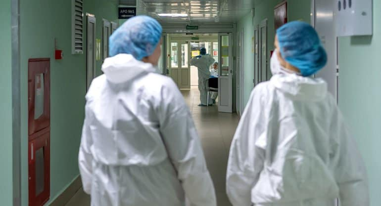 В России меньше 270 тысяч активных случаев заболевания ковидом