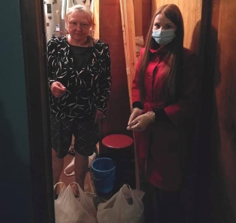 Североморская епархия с марта без выходных помогает нуждающимся