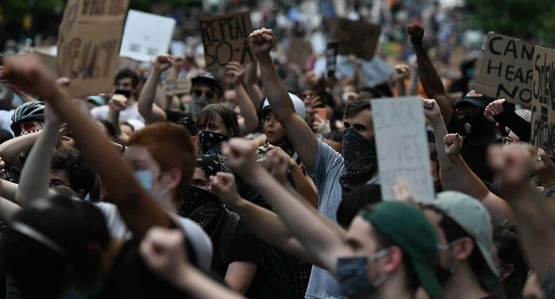 Как оценить происходящее в Нью-Йорке? Американский священник о протестах, насилии и пандемии