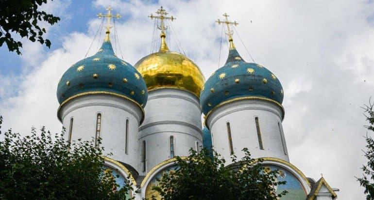 Образована Московская митрополия из пяти епархий