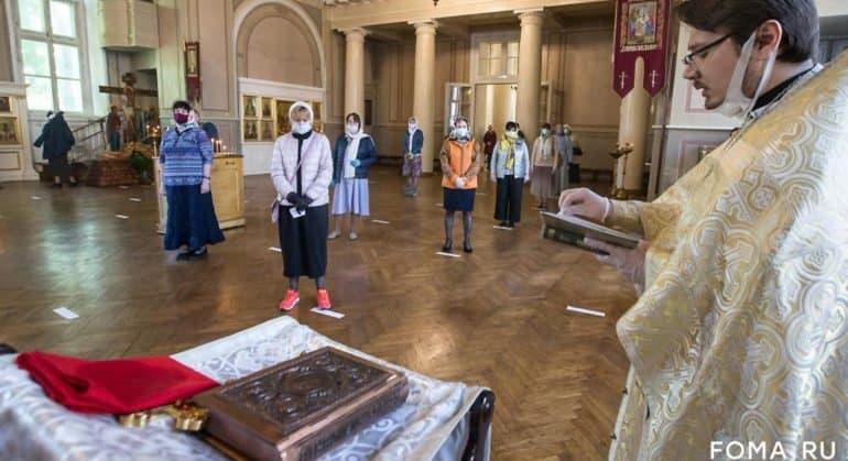 Митрополит Иларион призвал священников слушать священноначалие по вопросу соблюдения санитарных мер в храмах