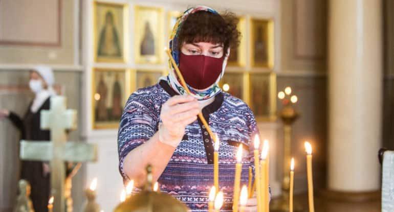 В Церкви призвали не спешить с ослаблением санитарных мер в храмах