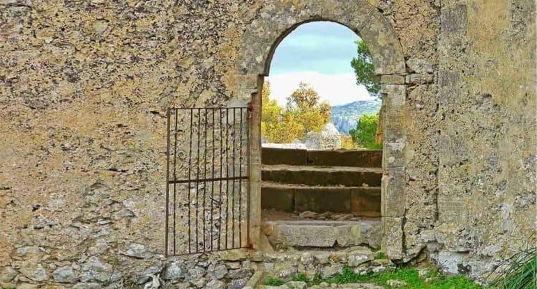 «Скорее всего, я не верю в Христа» — как одна женщина в отчаянии приехала в монастырь