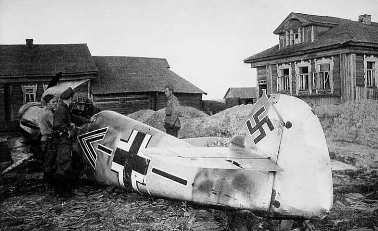 Правда, что уже в первый день войны немцы разгромили всю нашу авиацию?