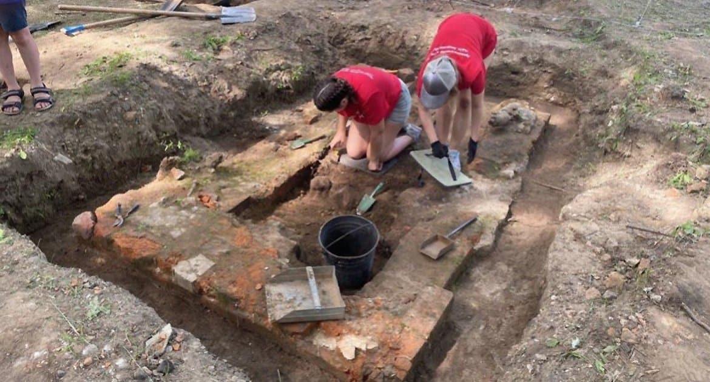 На месте разрушенного монастыря в Благовещенске ищут захоронения