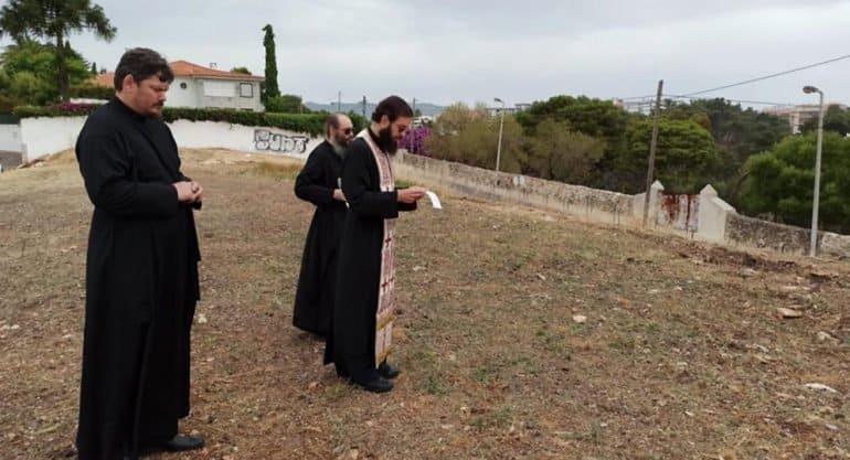 На месте строительства первого русского храма в Португалии совершили молебен