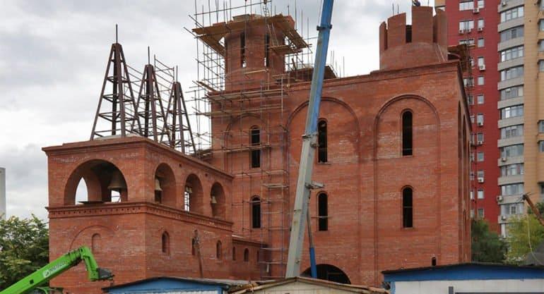 Впервые в «Программе 200» построят храм с чугунными полами