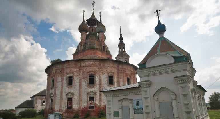 От полного разрушения необходимо спасать около 7 тысяч храмов, сообщили в Церкви