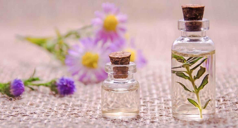 Можно ли помазать освященным маслом некрещеного младенца?