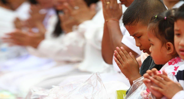 Как молиться, чтобы иноверец поверил в Бога?