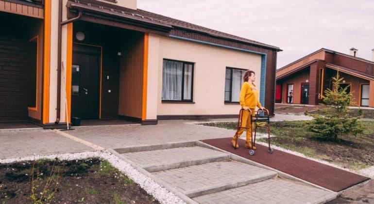 В арт-поместье «Новые берега» открывается третий дом для людей с инвалидностью