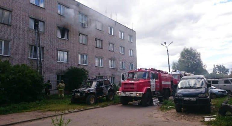 Сотрудники ивановского УФСИН спасли на пожаре женщину с младенцем