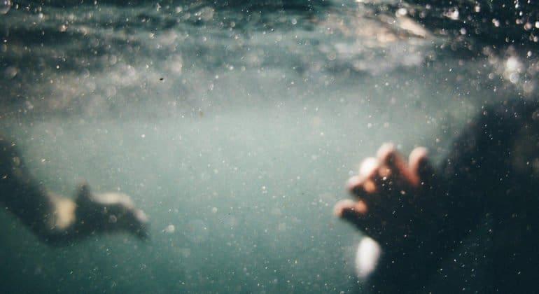 В Крыму наградят девочку за спасение друга, который тонул в бассейне