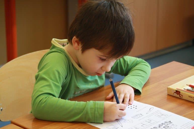 Как выбрать школу? О неочевидных критериях выбора рассказала семейный психолог Екатерина Бурмистрова