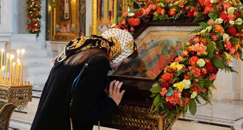 Зачем носить платки в храме?