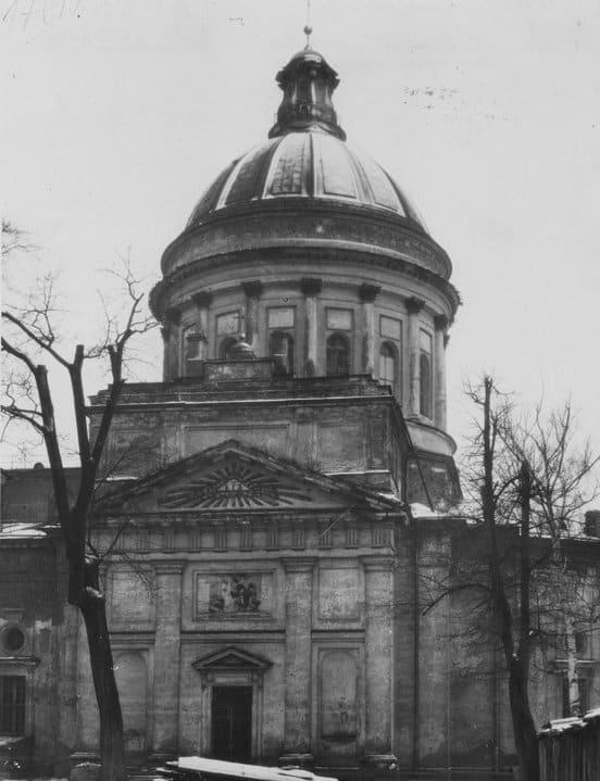 «Будут лет 20-30 восстанавливать»: патриарх Кирилл потрясен помощью ленинградцев в реставрации собора