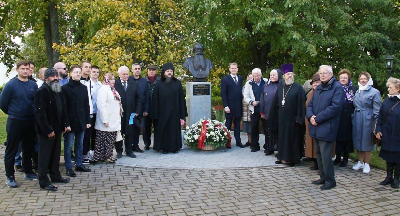 Первому игумену возрожденного Иосифо-Волоцкого монастыря установили бюст