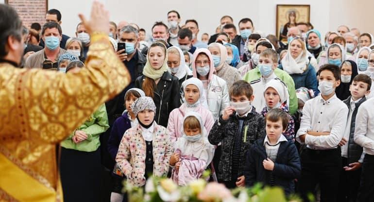 Будущее Церкви зависит от того, как мамы и папы водят детей в храмы, – патриарх Кирилл