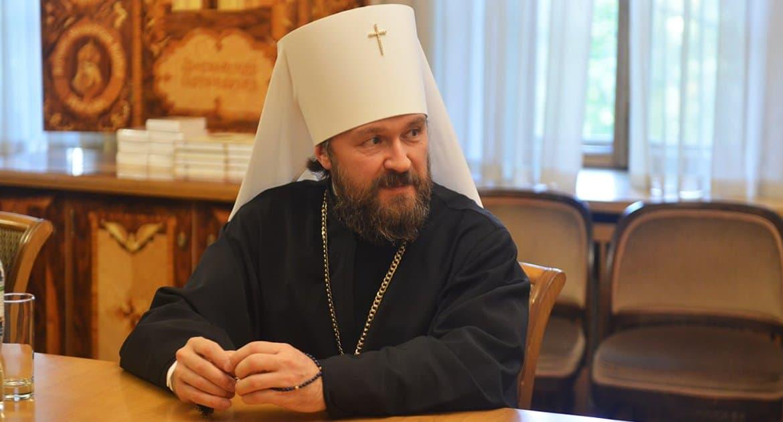Митрополит Иларион рассказал, когда священник может просить помощь через Интернет