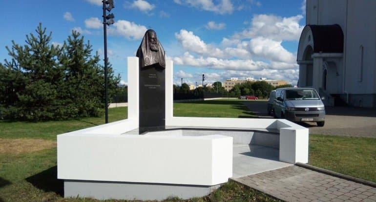 Памятник патриарху Алексию II отреставрировали в Таллинне
