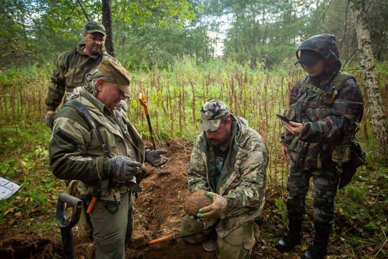 Останки почти 300 советских воинов нашли подо Ржевом