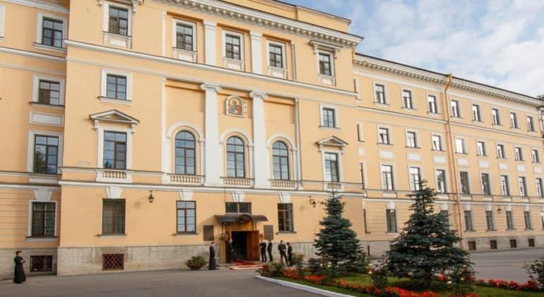 Санкт-Петербургская духовная академия из-за коронавируса сохраняет онлайн-обучение