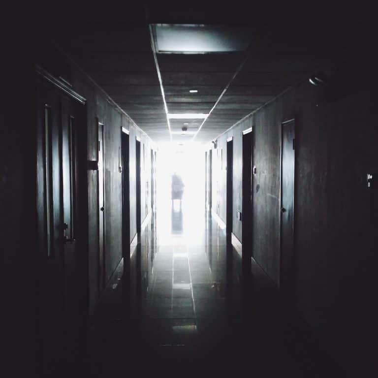 «И вот нас зовут на «чистку». Было просто страшно» — откровенный рассказ противницы абортов