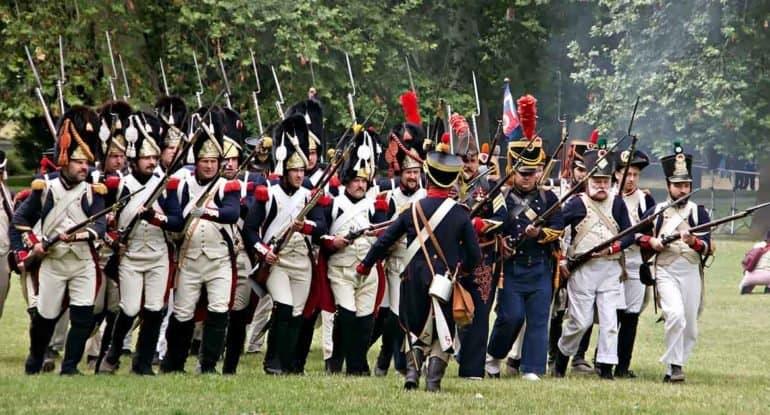 «Правда, что Наполеон чуть ненанялся нарусскую службу?»— почему учитель непобоялся сорвать урок, чтобы ответить наэ...