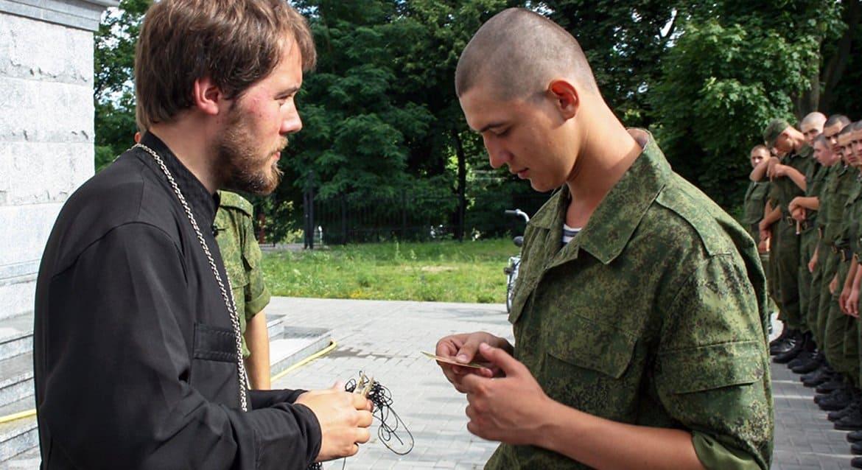 Депутат Сергей Гаврилов предложил усилить влияние религиозных организаций на воспитание защитников Отечества