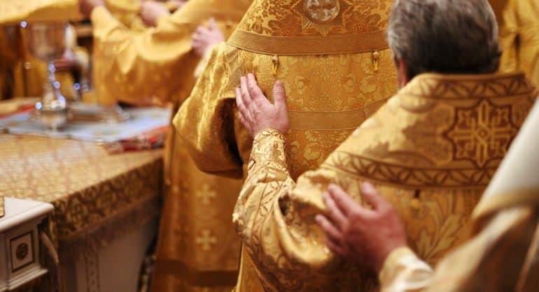 От коронавируса лечатся 73 клирика и монаха Русской Церкви