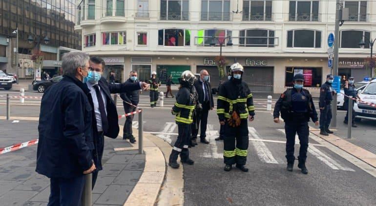Три человека погибли при нападении неизвестного у храма Нотр-Дам в Ницце