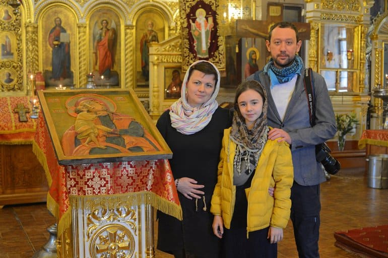 В Никольский храм Солнечногорска передали тактильную икону Богородицы