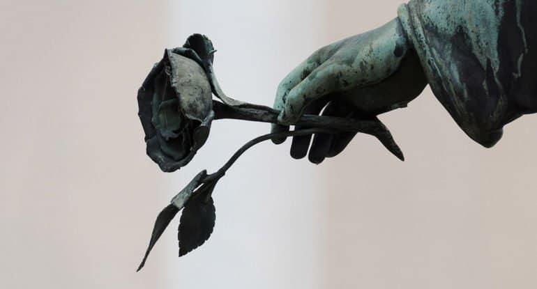 Как снять проклятье с покойного мужа?