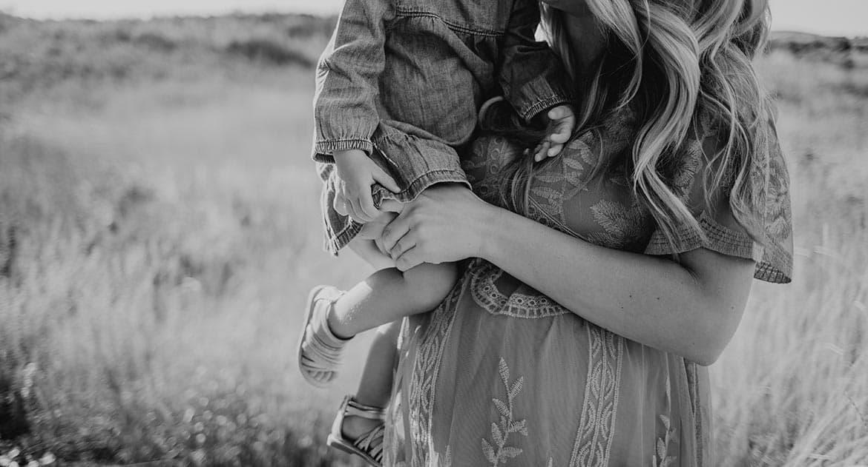 У мужа родилась дочь на стороне, я прокляла его и любовницу. Что делать?