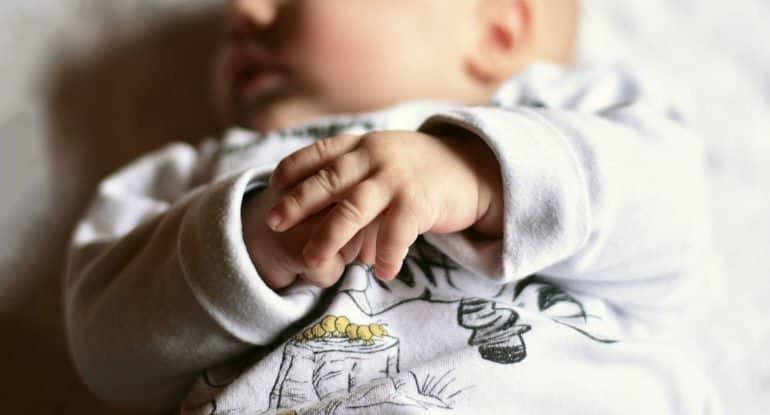 Почему болеет мой ребенок? Он не крещен