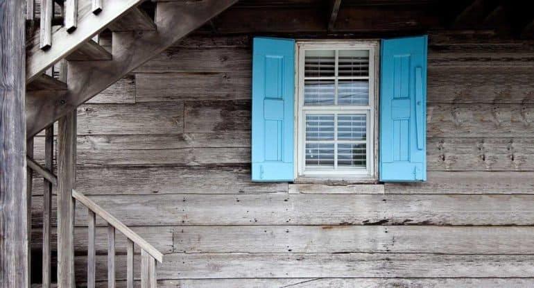 Можно ли покупать дом, в котором убили человека?