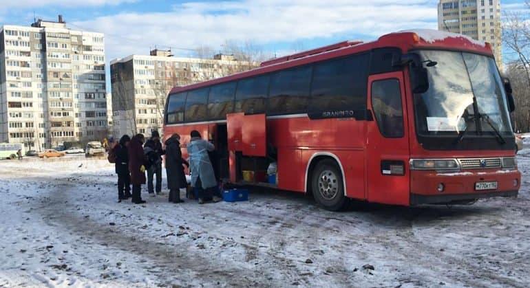 К бездомным Уфы поехал православный «Автобус милосердия»