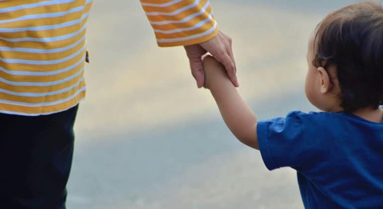 Необходим механизм ответственности для чиновников, неправомерно вмешивающихся в дела семьи, считают в Церкви