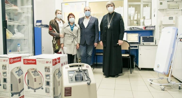 Кислородные концентраторы передала ковид-госпиталю Ростовская епархия