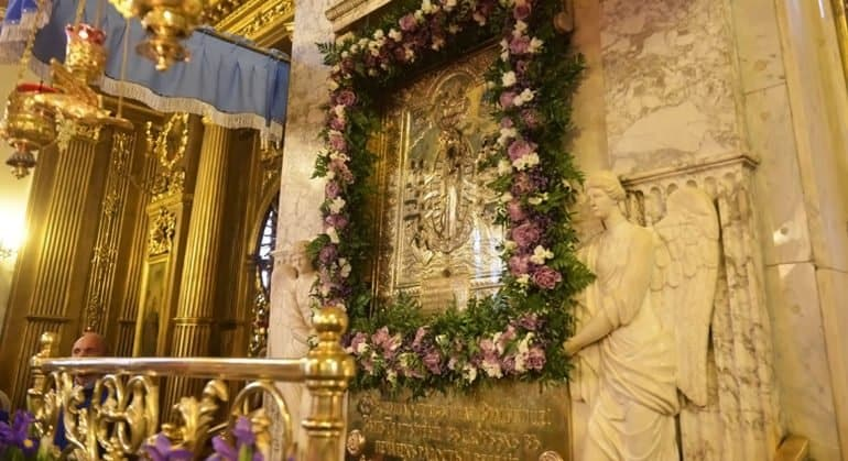 Церковь чтит икону Божией Матери «Всех скорбящих Радость»