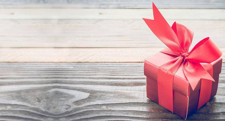 Время подписаться на «Фому»: разыгрываем уютные фирменные подарки!