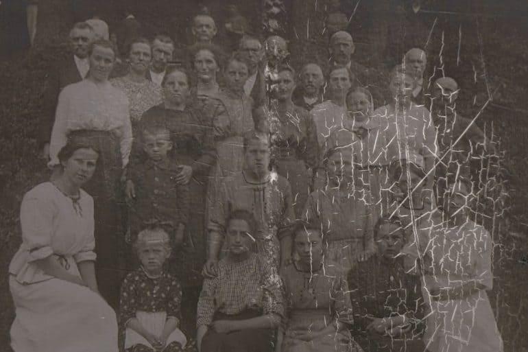 Как молиться о предках? Не знаю, за кого они были в революцию