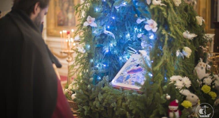 Православные в разных странах мира празднуют Рождество Христово